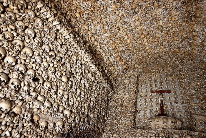 Chapel of the Bones interior, Alcantarilha